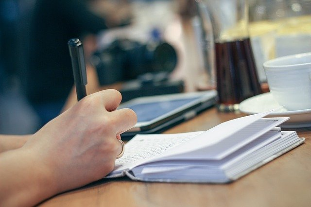 Not Good at Writing? Here Are Tips to Create Informative Blog Posts
